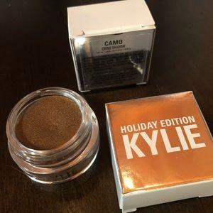 Kylie Holiday Edition Creme Eyeshadow - Camo